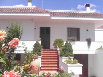 Villa Sitrie Bed & Breakfast