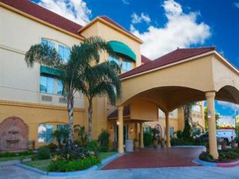 Photo of La Quinta Inn & Suites Brownsville North