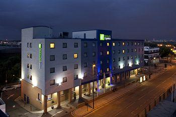 ‪Holiday Inn Express London - Park Royal‬
