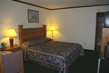 Americas Best Value Inn Elroy