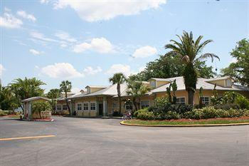 Tropical Palms Resort and Campground