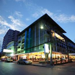 Woraburi Sukhumvit Hotel and Resort