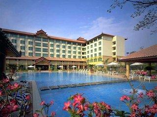 Photo of Sedona Hotel Mandalay