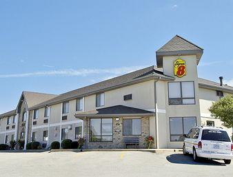 Super 8 Motel - Toledo