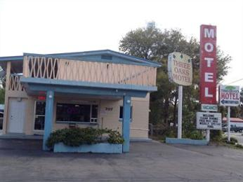 Photo of Three Oaks Motel Titusville
