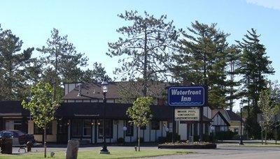 ‪Waterfront Inn - Mackinaw City‬