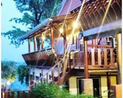 Banthaisangthain Resort