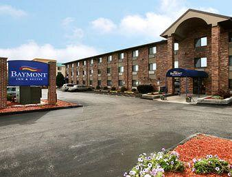 Baymont Inn & Suites Glendale-Milwaukee-NE