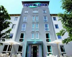 Motel One Köln - West