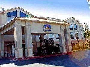 ‪BEST WESTERN McDonough Inn & Suites‬