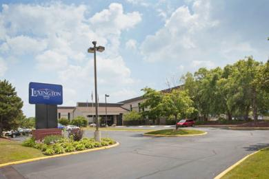 La Quinta Inn & Suites Detroit Metro Airport