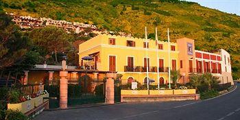 Photo of Villa Ridente Club Gioiosa Marea