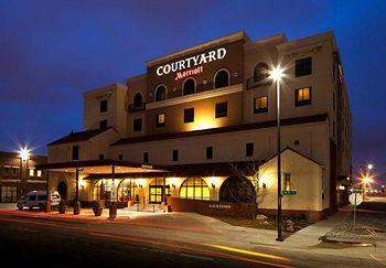 ‪Courtyard by Marriott - Wichita at Old Town‬