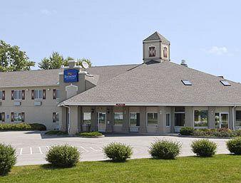 Baymont Inn & Suites Pella