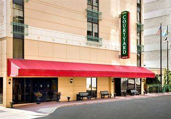 ‪Courtyard by Marriott Wilmington Downtown‬