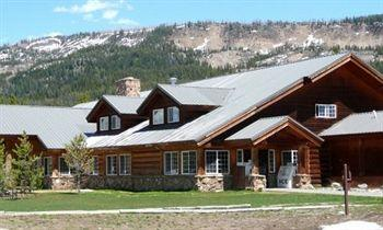 ‪Headwaters Lodge & Cabins at Flagg Ranch‬