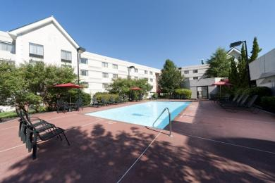 Photo of Country Inn & Suites Atlanta Airport South College Park