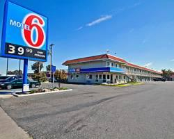 ‪Motel 6 Fresno - Blackstone South‬