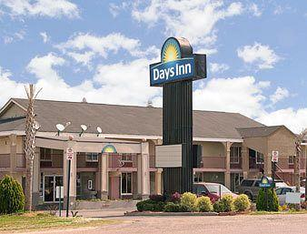 Photo of Shorter Days Inn