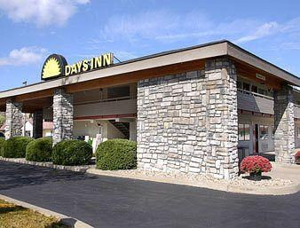 Photo of Days Inn Pittsburgh-Harmarville