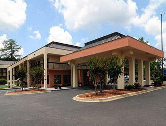‪Baymont Inn and Suites Tallahassee‬