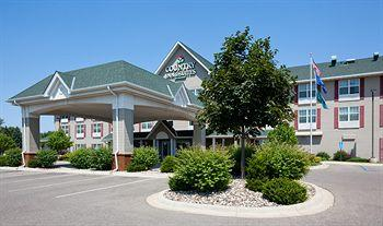 ‪Country Inn & Suites Saint Cloud East‬