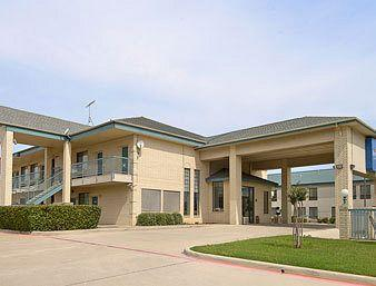 Photo of Baymont Inn &amp; Suites Fort Worth South