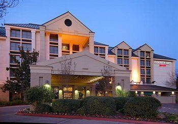 ‪Courtyard by Marriott Santa Rosa‬