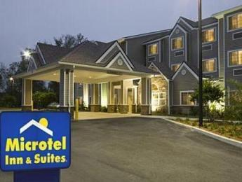 Microtel Inn & Suites by Wyndham Jacksonville Airport Hotel