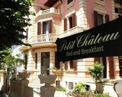 Petit Chateau Bed & Breakfast