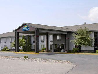 Photo of Days Inn and Suites Wausau
