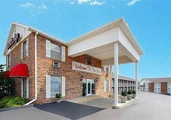 Econo Lodge Inn & Suites Lake of