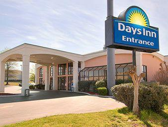 Days Inn & Suites Tuscaloosa