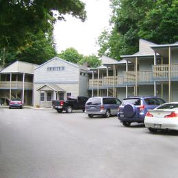 Town House Motor Inn