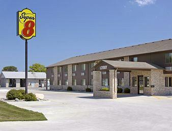 Humboldt Super 8 Motel