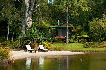 ‪Lake Weyba Cottages Noosa‬