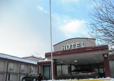 Photo of Econo Lodge Inn & Suites Melrose Park
