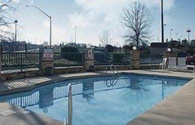Econo Lodge & Suites Lake Norman