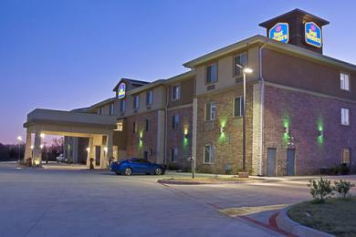 BEST WESTERN Bowie Inn & Suites