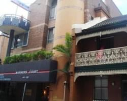 Mariners Court Hotel
