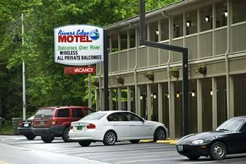 Photo of River's Edge Motel Cherokee