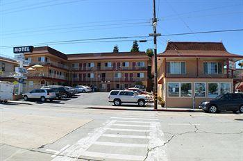 Photo of Aqua Breeze Inn Santa Cruz