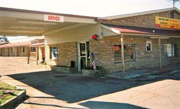 Photo of Ozark Inn Motel & Restaurant