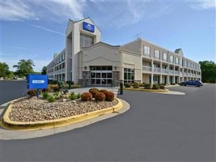 Photo of Americas Best Value Inn & Suites Overland Park