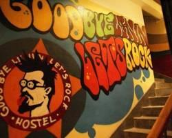 ‪Good Bye Lenin - Let's Rock Hostel‬