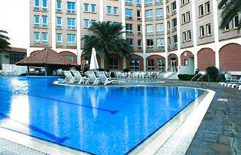 Photo of Metropolitan Hotel Dubai