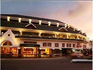 Photo of Hotel Dymen's Bukittinggi