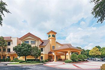 Photo of La Quinta Inn & Suites Dallas Addison Galleria