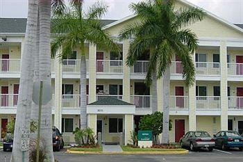 Crossland Economy Studios - Fort Lauderdale - Commercial Blvd.