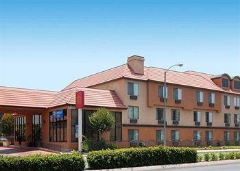 Comfort Inn & Suites Bell Gardens